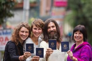 BLUE BOOK (Libro Azul): el pasaporte simbólico de los amigos del Tíbet