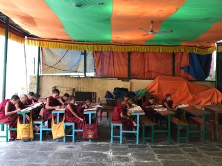 Jornada solidaria para el monasterio de Samteling de Nepal