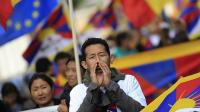 REUTERS Imagen de archivo de varios jóvenes tibetanos protestando en Bruselas a favor de la independencia