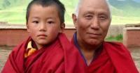 Tamdin Dorjee y su nieto