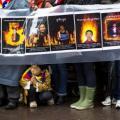 FOTO: Conmemoración para las víctimas de auto-inmolación en Nueva York, este 10 de diciembre de 2012. REUTERS/Lucas Jackson