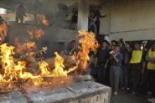Los restos mortales del activista tibetano Jampel Yeshi, quien se inmoló el pasado …