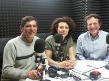 Hablando de Tibet en la radio